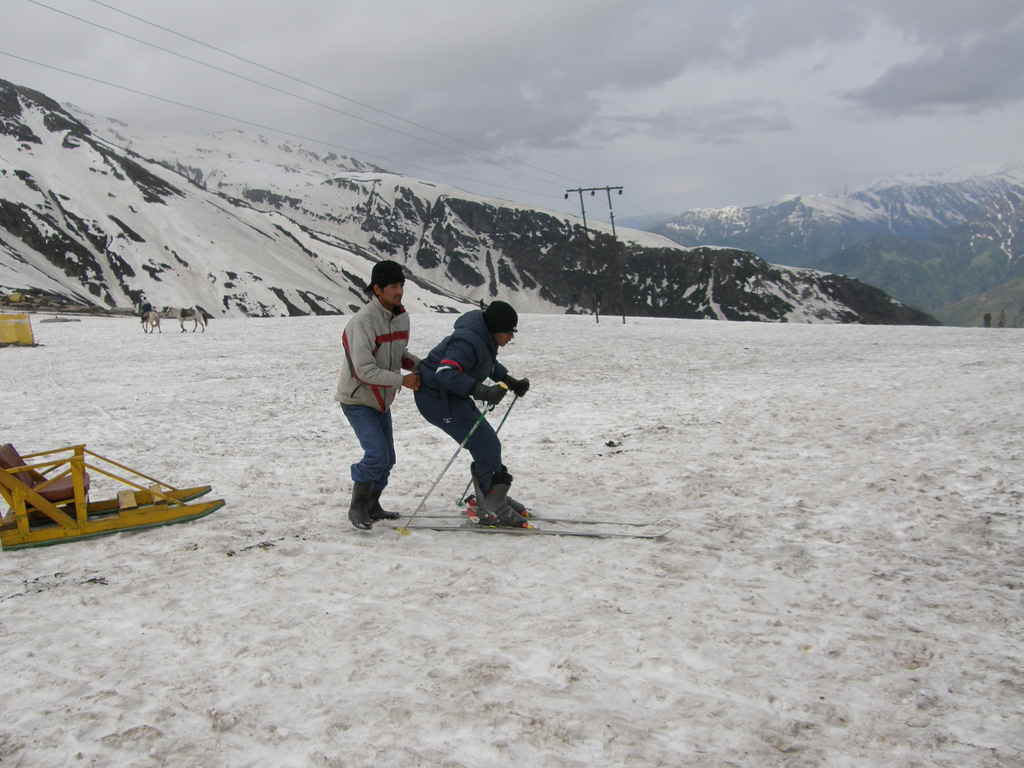 Himachal Weather: As Rohtang Pass opens for public, it is ... |Rohtang Pass Weather