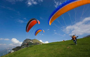 Paragliding-in-Manali