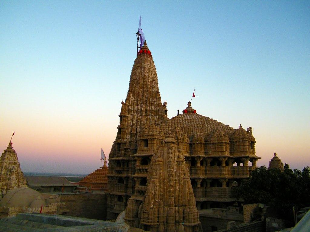 dwaraka temple hinduism indian culture braj vrindavan