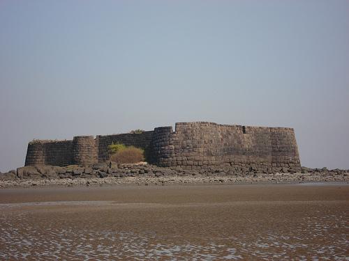 Nearest Service Station >> Kolaba Fort - tourmet