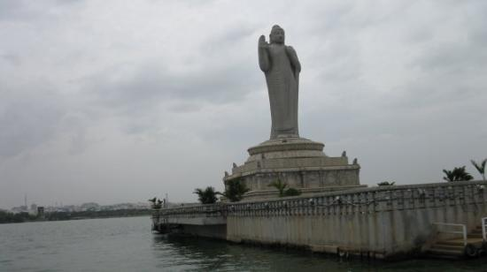 importance of hussain sagar lake Hussain sagar lake is a landmark that visitors to twin cities of  realising the  importance of conservation of hussain sagar, a project has been.